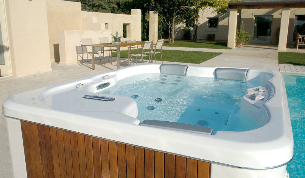 riviera whirlpool 04 1 - Pools & Sauna